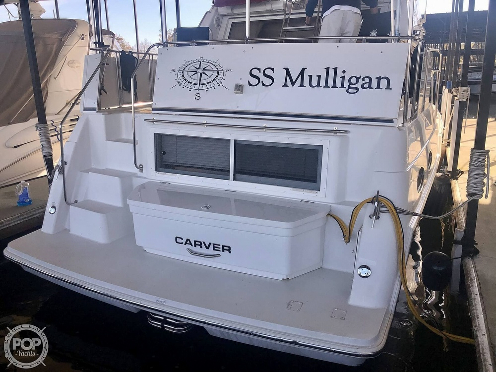 2000 Carver boat for sale, model of the boat is 326 & Image # 3 of 40