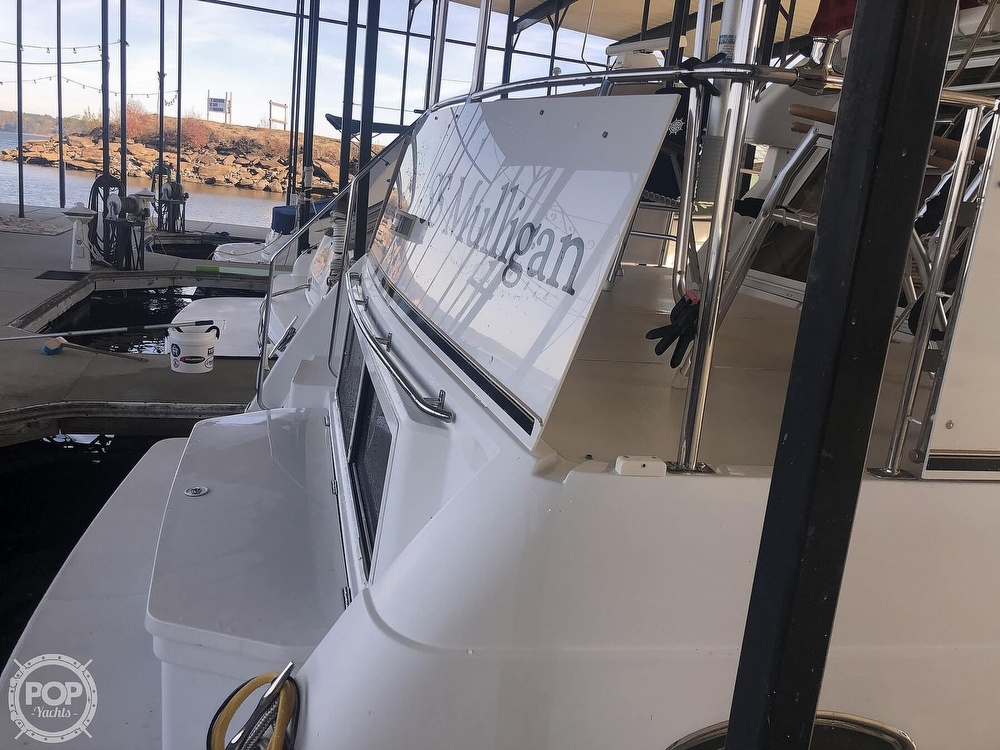 2000 Carver boat for sale, model of the boat is 326 & Image # 26 of 40