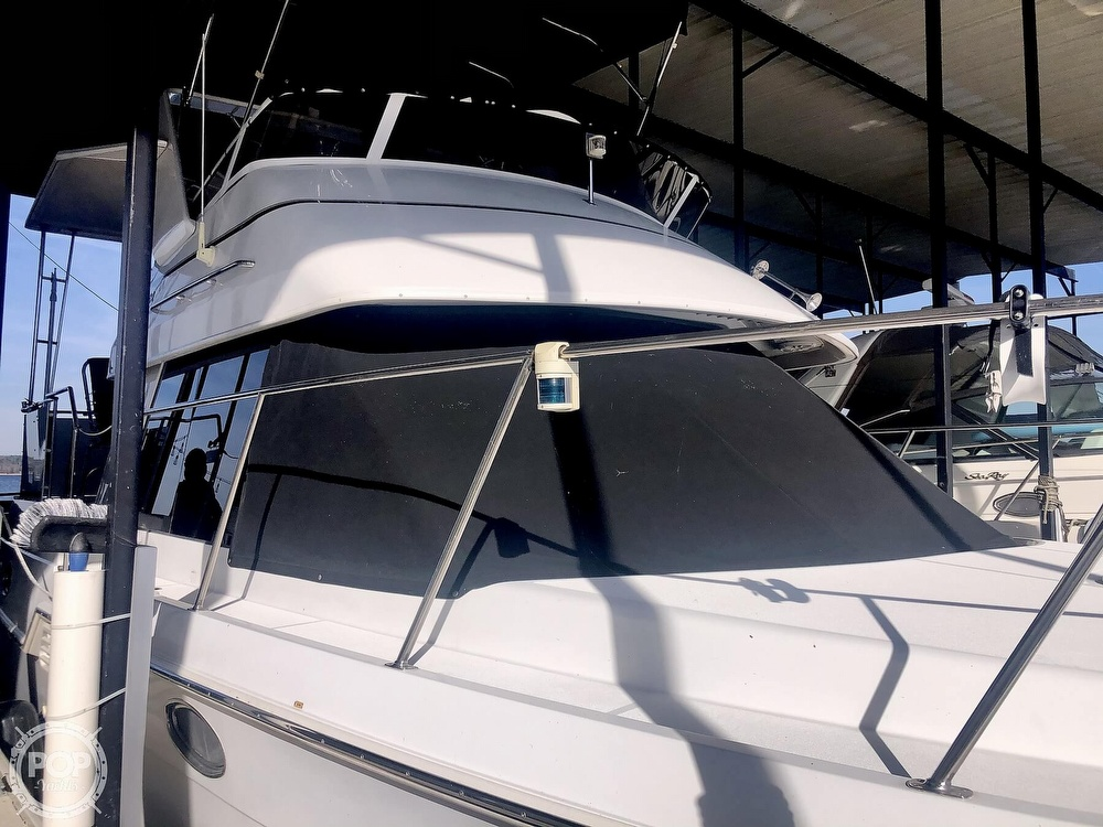 2000 Carver boat for sale, model of the boat is 326 & Image # 22 of 40