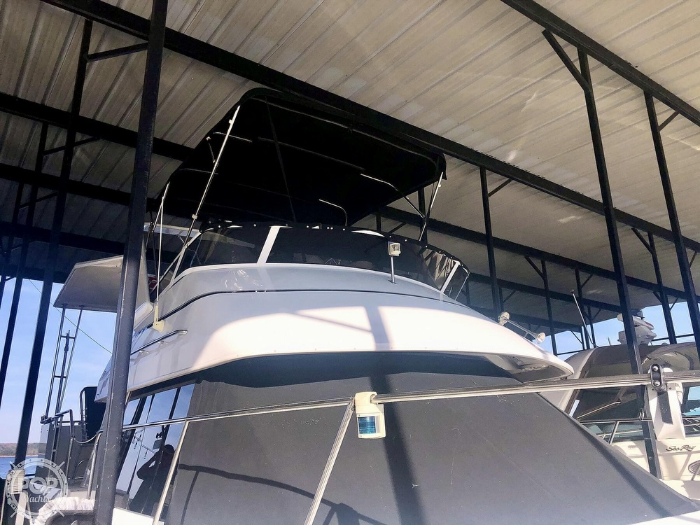 2000 Carver boat for sale, model of the boat is 326 & Image # 23 of 40