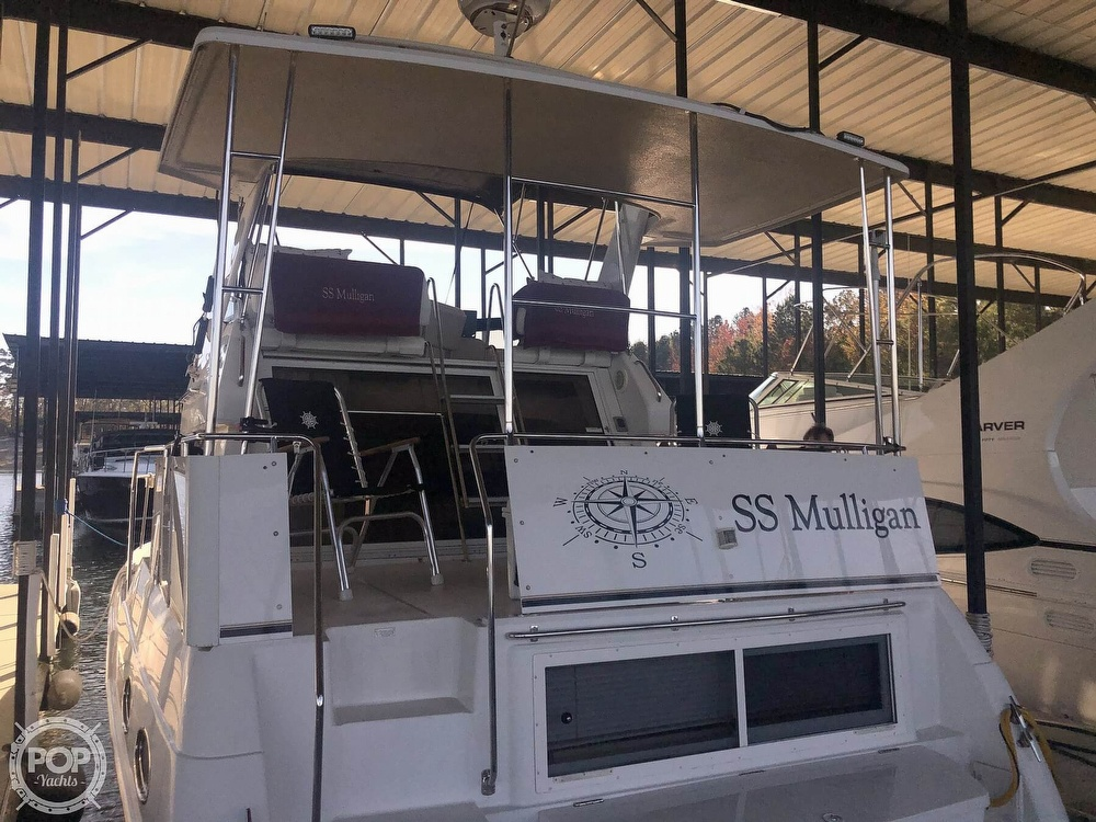 2000 Carver boat for sale, model of the boat is 326 & Image # 24 of 40