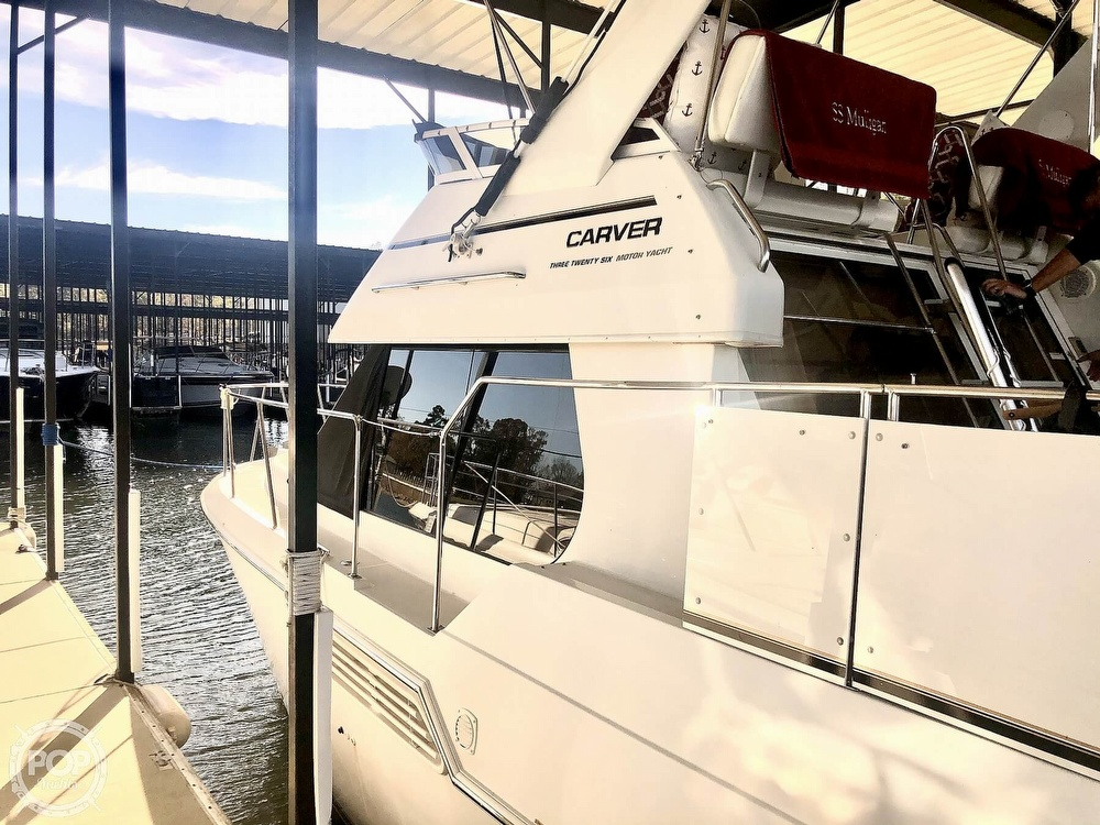 2000 Carver boat for sale, model of the boat is 326 & Image # 27 of 40
