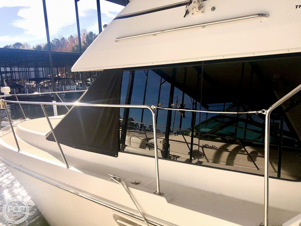 2000 Carver boat for sale, model of the boat is 326 & Image # 28 of 40