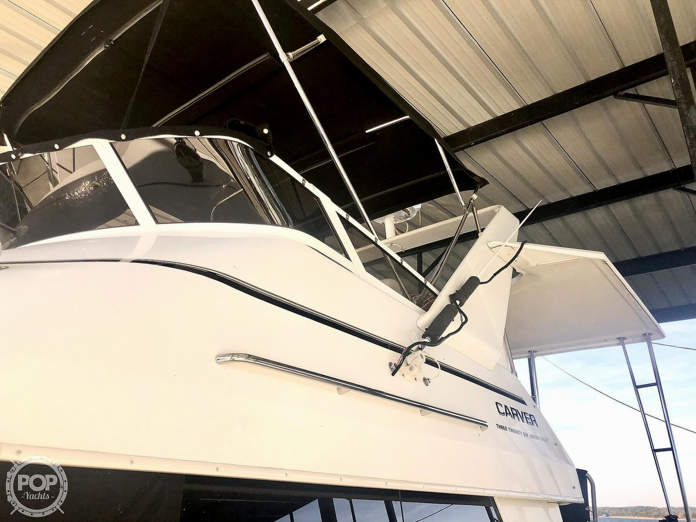2000 Carver boat for sale, model of the boat is 326 & Image # 32 of 40
