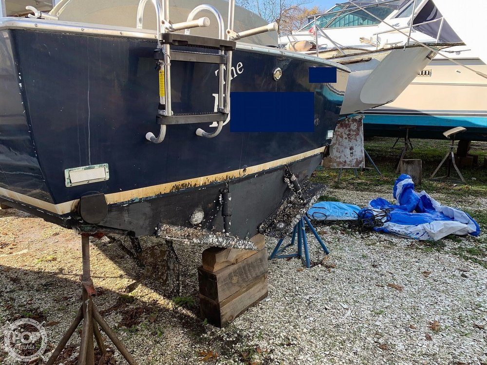 1974 Bertram boat for sale, model of the boat is 28 Sedan Sport Fisherman & Image # 8 of 40