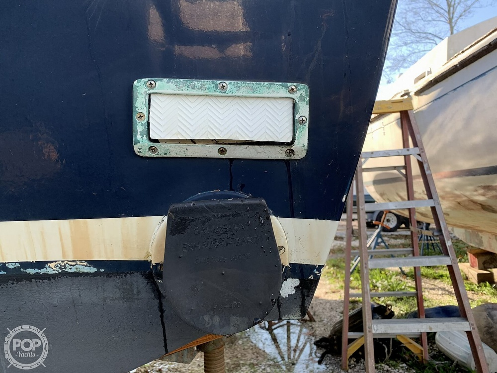 1974 Bertram boat for sale, model of the boat is 28 Sedan Sport Fisherman & Image # 14 of 40