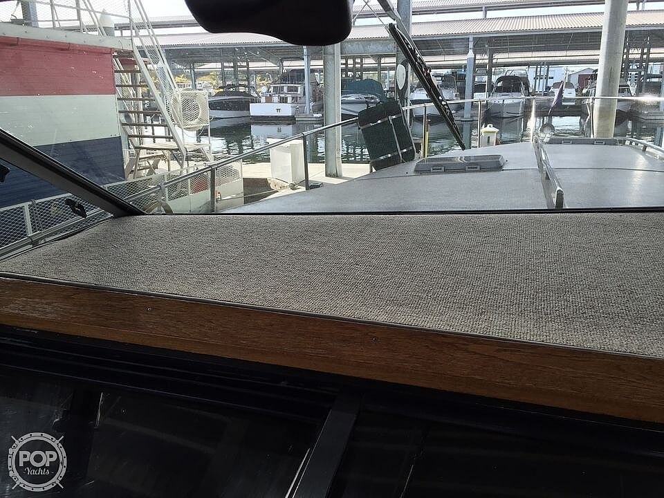 1986 Sea Ray boat for sale, model of the boat is 390 EC & Image # 17 of 40