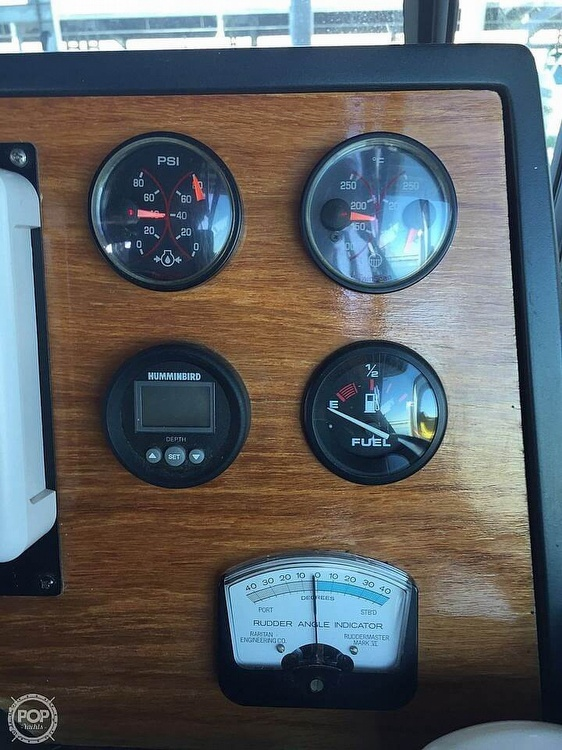1986 Sea Ray boat for sale, model of the boat is 390 EC & Image # 22 of 40