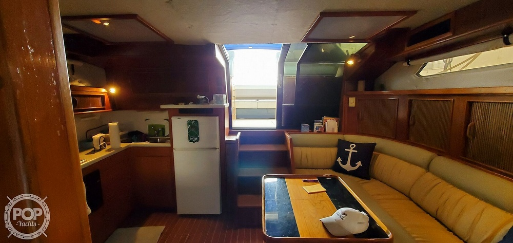 1986 Sea Ray boat for sale, model of the boat is 390 EC & Image # 37 of 40