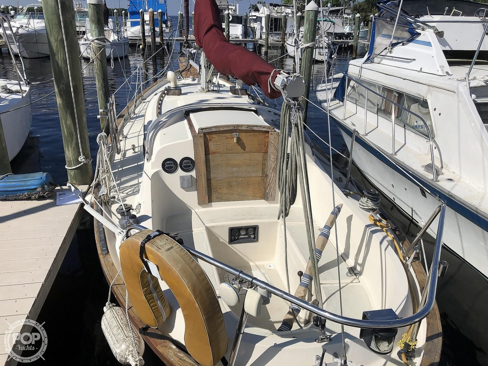 1981 Southern Cross boat for sale, model of the boat is 28 & Image # 9 of 40