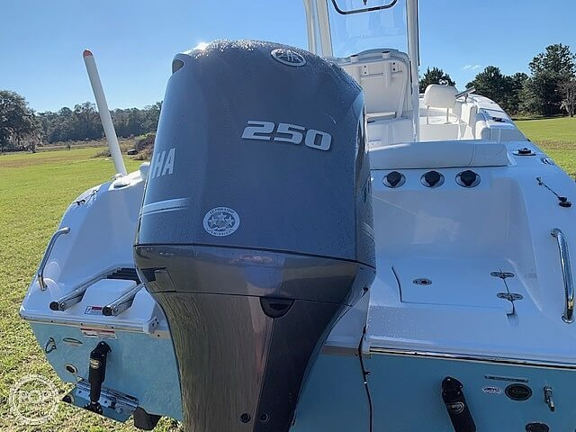 2018 Sea Hunt boat for sale, model of the boat is Ultra 235 SE & Image # 6 of 40