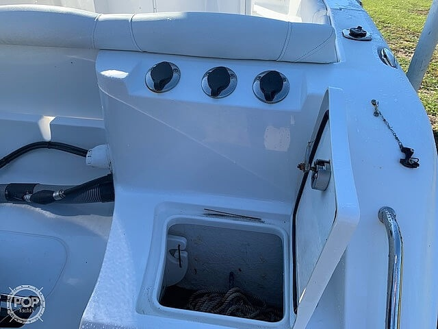 2018 Sea Hunt boat for sale, model of the boat is Ultra 235 SE & Image # 17 of 40