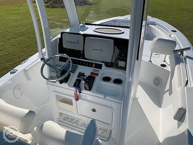 2018 Sea Hunt boat for sale, model of the boat is Ultra 235 SE & Image # 33 of 40