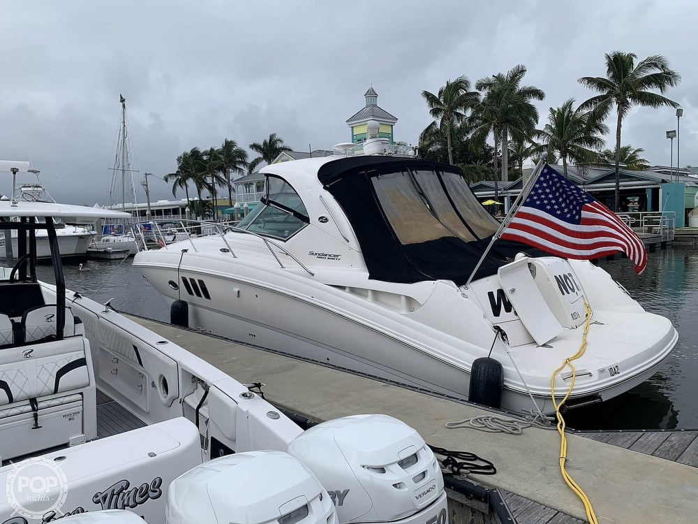 2010 Sea Ray boat for sale, model of the boat is 390 Sundancer & Image # 10 of 40