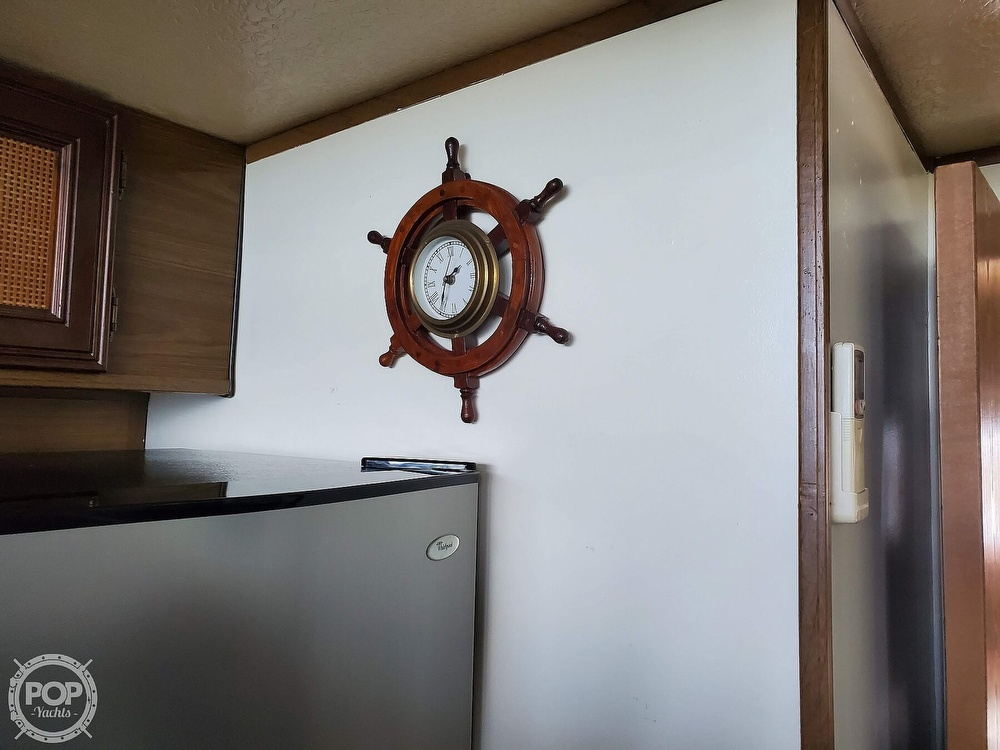 1985 Holiday Mansion boat for sale, model of the boat is Coastal Barracuda Aft Cabin & Image # 14 of 40