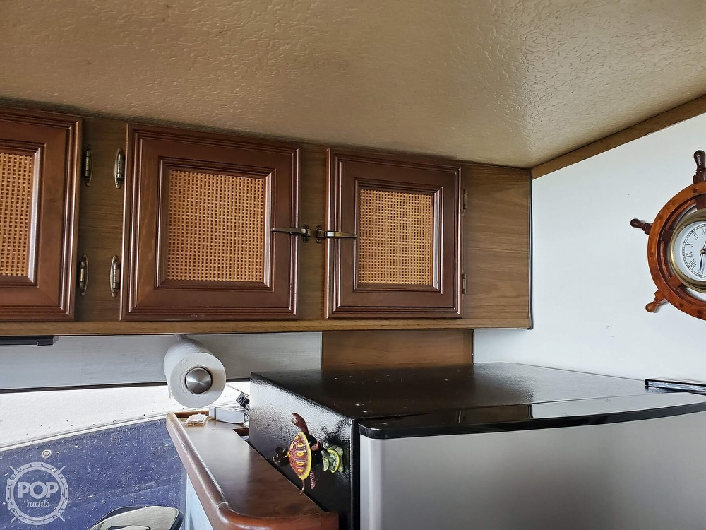 1985 Holiday Mansion boat for sale, model of the boat is Coastal Barracuda Aft Cabin & Image # 12 of 40