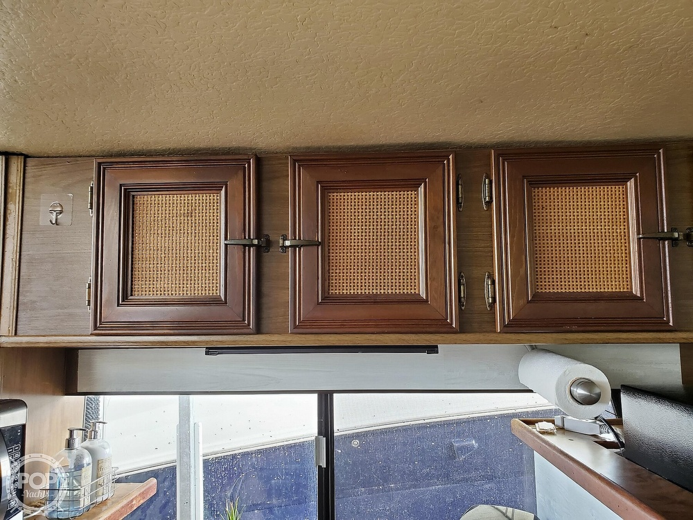 1985 Holiday Mansion boat for sale, model of the boat is Coastal Barracuda Aft Cabin & Image # 13 of 40