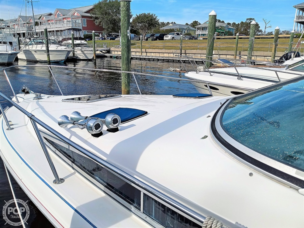 1993 Sea Ray boat for sale, model of the boat is 270 Sundancer & Image # 13 of 40