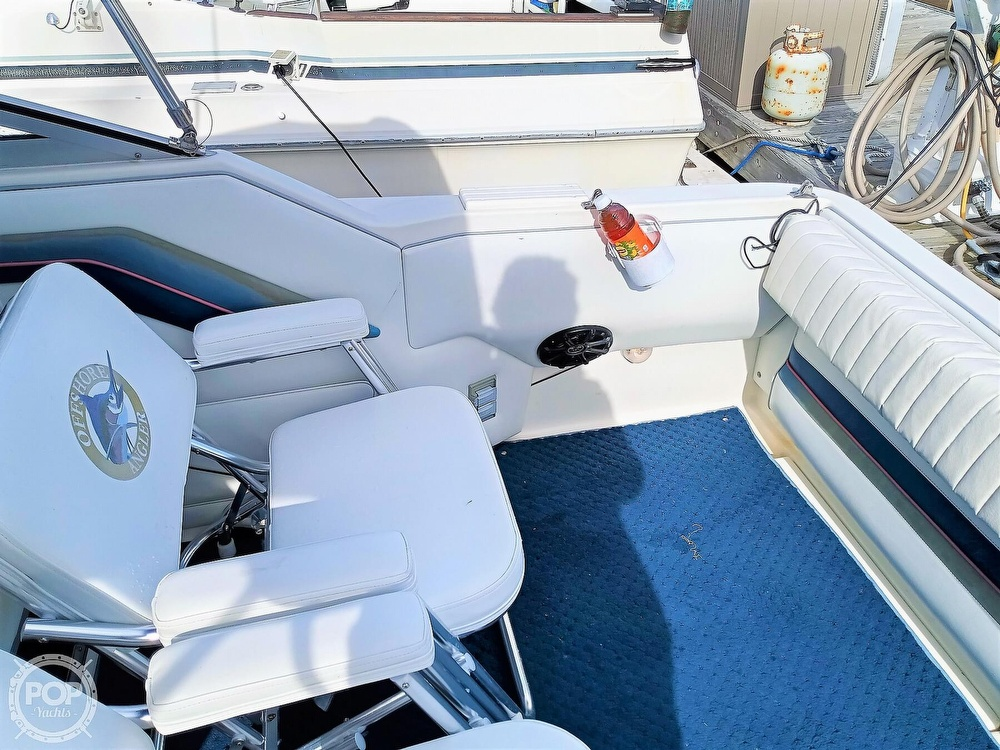 1993 Sea Ray boat for sale, model of the boat is 270 Sundancer & Image # 17 of 40