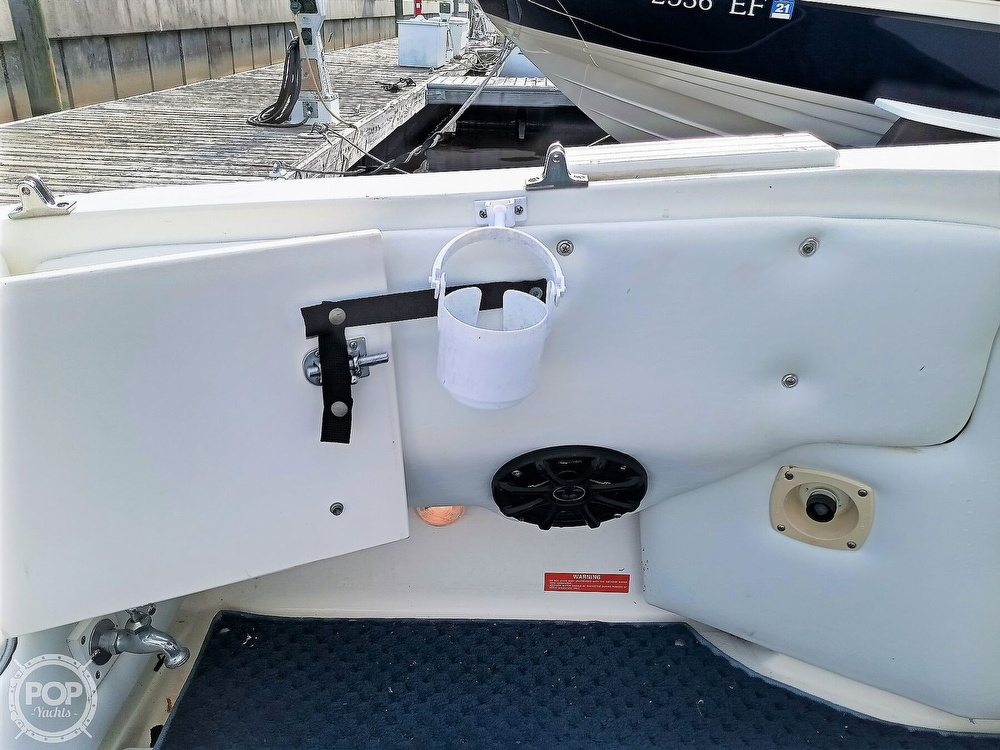 1993 Sea Ray boat for sale, model of the boat is 270 Sundancer & Image # 21 of 40