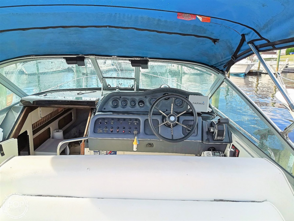 1993 Sea Ray boat for sale, model of the boat is 270 Sundancer & Image # 23 of 40