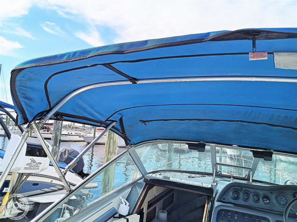 1993 Sea Ray boat for sale, model of the boat is 270 Sundancer & Image # 25 of 40
