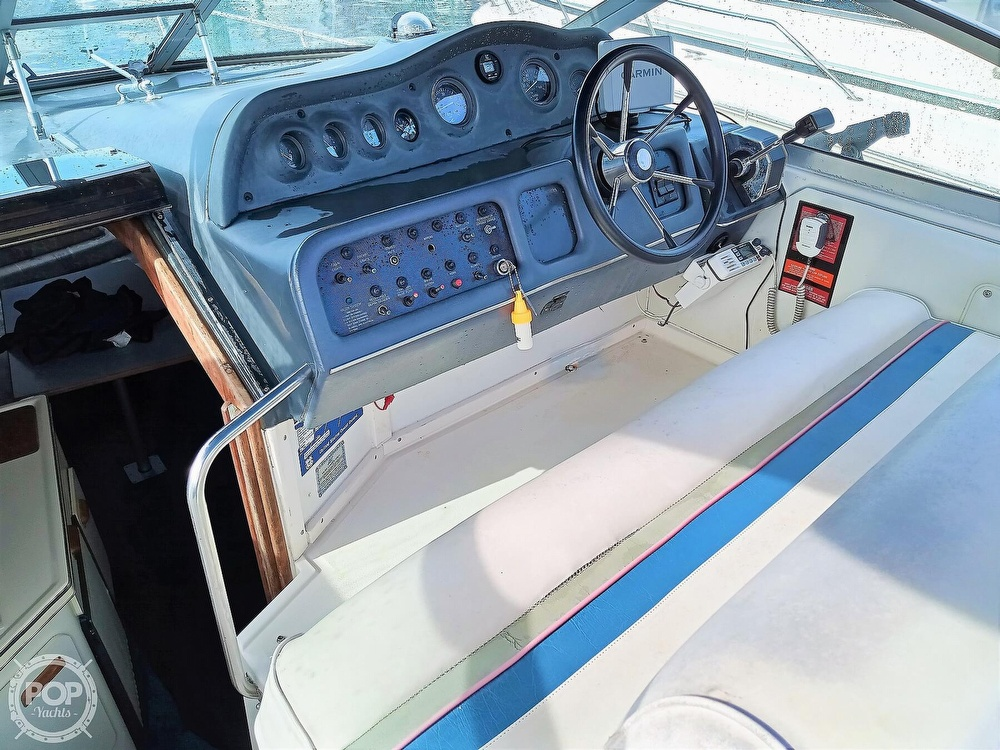 1993 Sea Ray boat for sale, model of the boat is 270 Sundancer & Image # 27 of 40