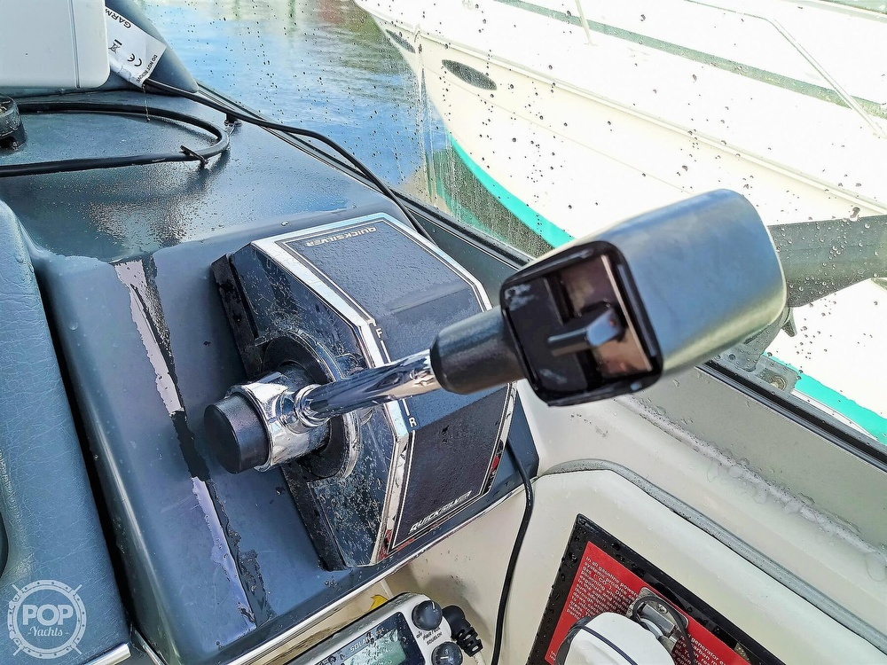 1993 Sea Ray boat for sale, model of the boat is 270 Sundancer & Image # 32 of 40