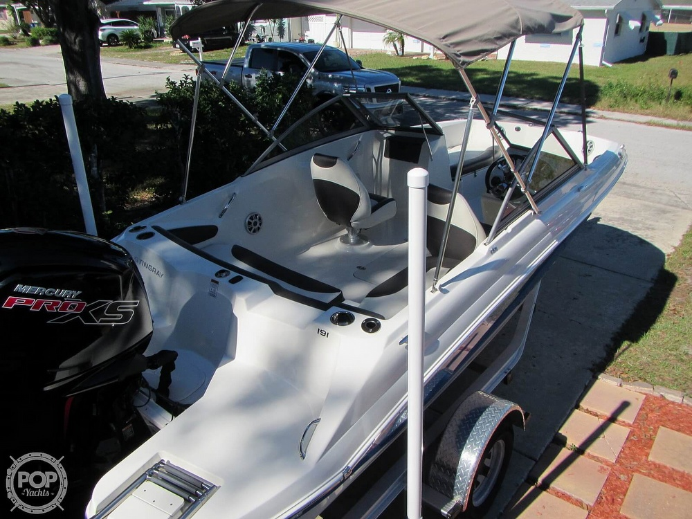 2018 Stingray boat for sale, model of the boat is 191 DC & Image # 14 of 40