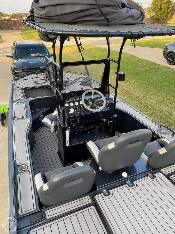 2018 Obsession boat for sale, model of the boat is Open & Image # 9 of 40
