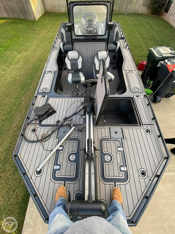 2018 Obsession boat for sale, model of the boat is Open & Image # 10 of 40