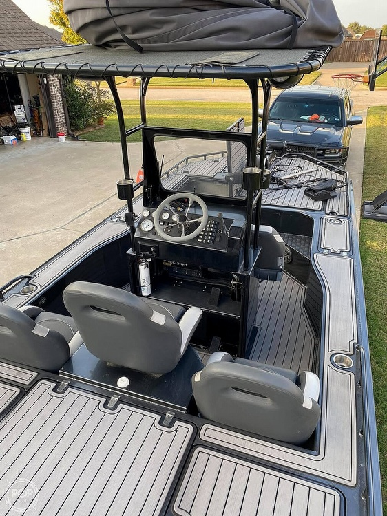 2018 Obsession boat for sale, model of the boat is Open & Image # 5 of 40