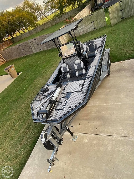 2018 Obsession boat for sale, model of the boat is Open & Image # 29 of 40