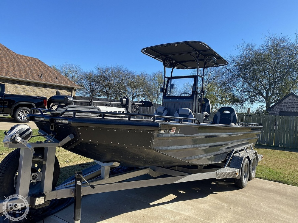 2018 Obsession boat for sale, model of the boat is Open & Image # 32 of 40