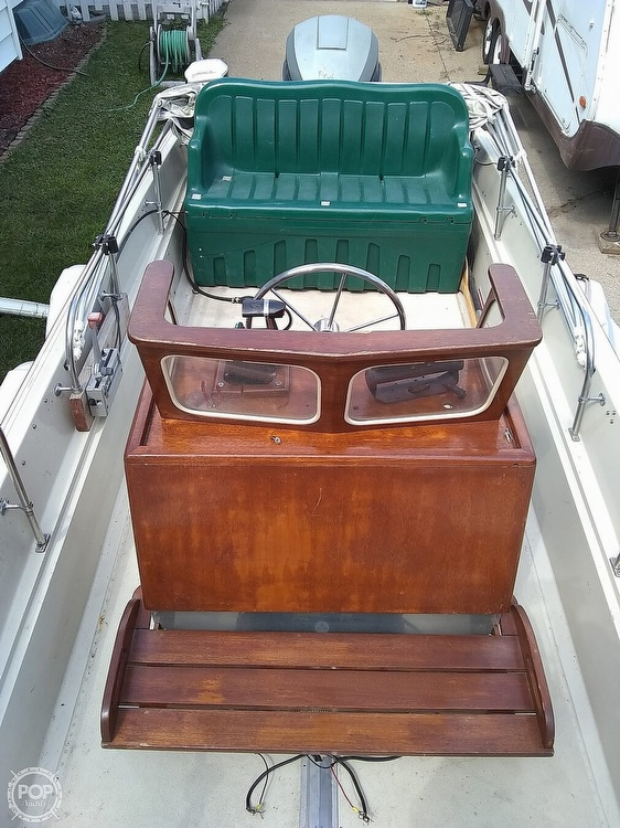 1974 Boston Whaler boat for sale, model of the boat is Nauset 17 & Image # 4 of 8