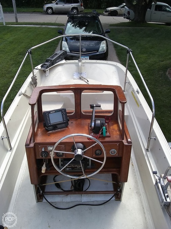 1974 Boston Whaler boat for sale, model of the boat is Nauset 17 & Image # 5 of 8