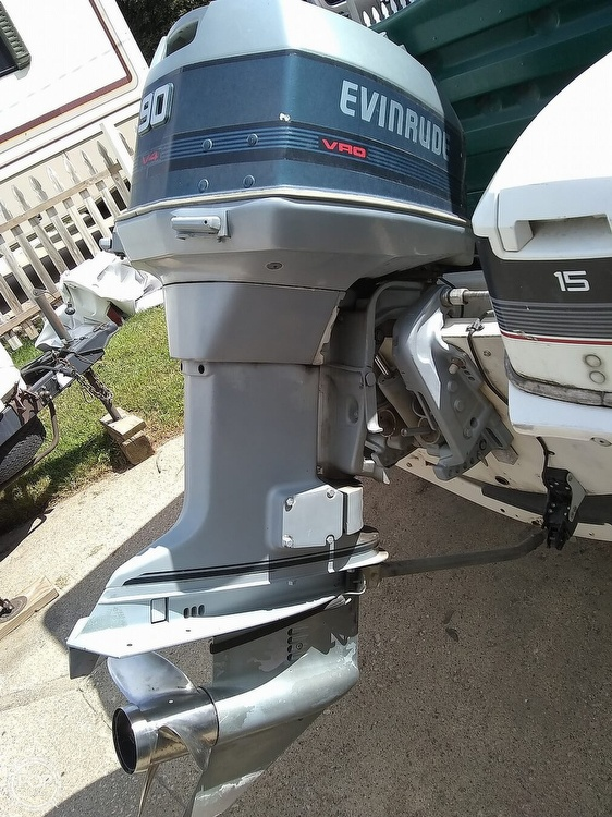 1974 Boston Whaler boat for sale, model of the boat is Nauset 17 & Image # 7 of 8