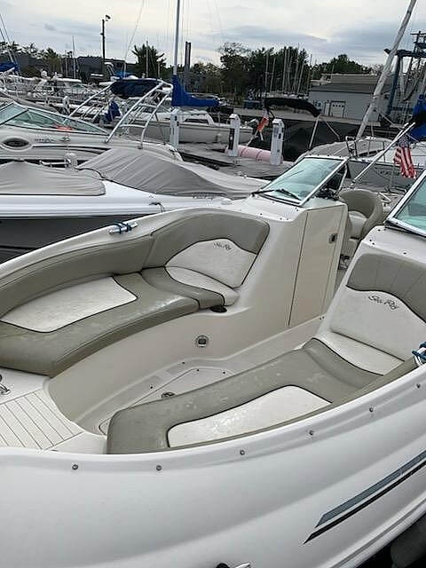 2006 Sea Ray boat for sale, model of the boat is 240 Sundeck & Image # 7 of 40