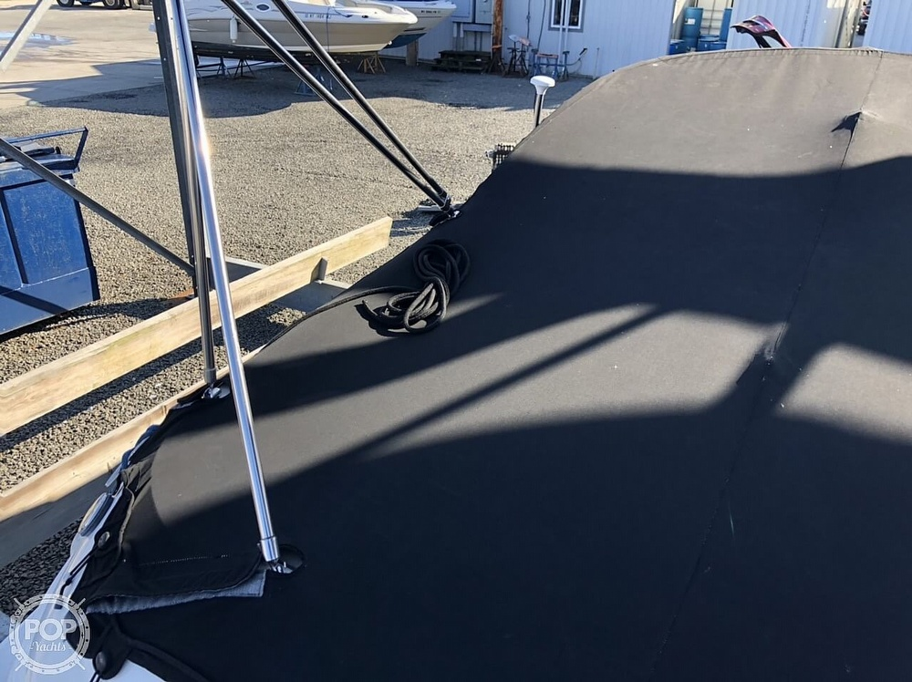 2006 Sea Ray boat for sale, model of the boat is 240 Sundeck & Image # 24 of 40