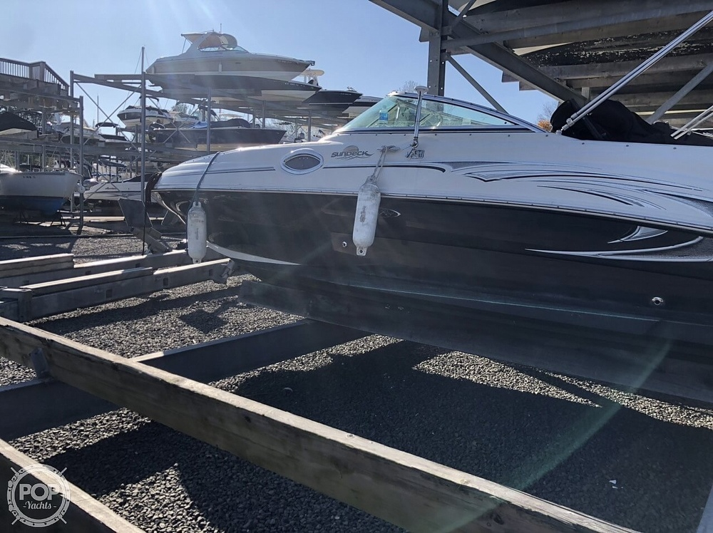 2006 Sea Ray boat for sale, model of the boat is 240 Sundeck & Image # 16 of 40