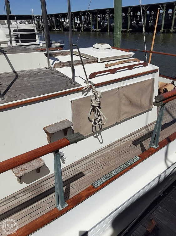 1982 Grand Banks boat for sale, model of the boat is 36 Trawler & Image # 6 of 40