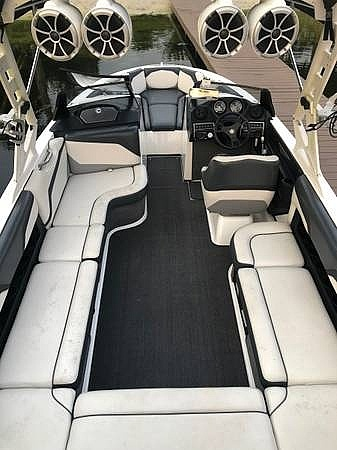 2015 Axis boat for sale, model of the boat is T23 & Image # 13 of 22
