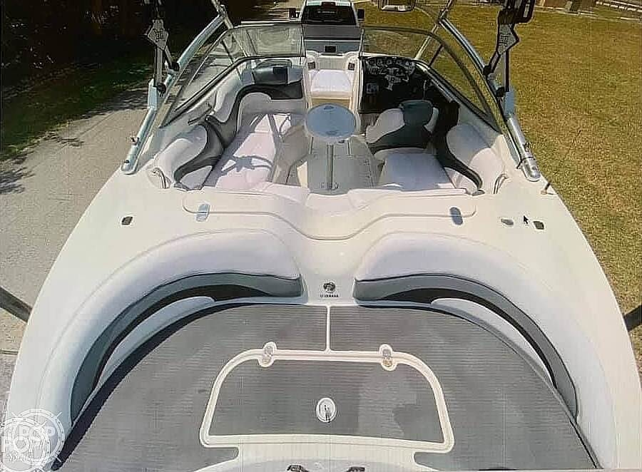 2009 Yamaha boat for sale, model of the boat is 212X & Image # 3 of 40