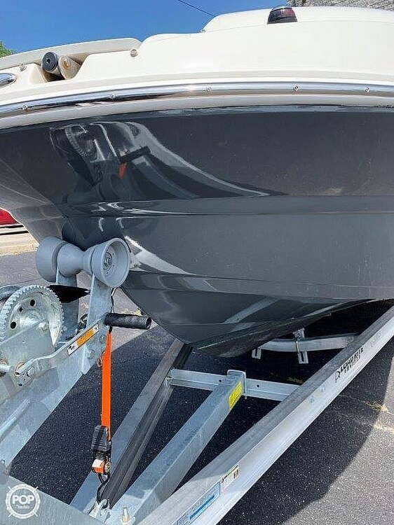 2018 Stingray boat for sale, model of the boat is 214LR & Image # 17 of 40