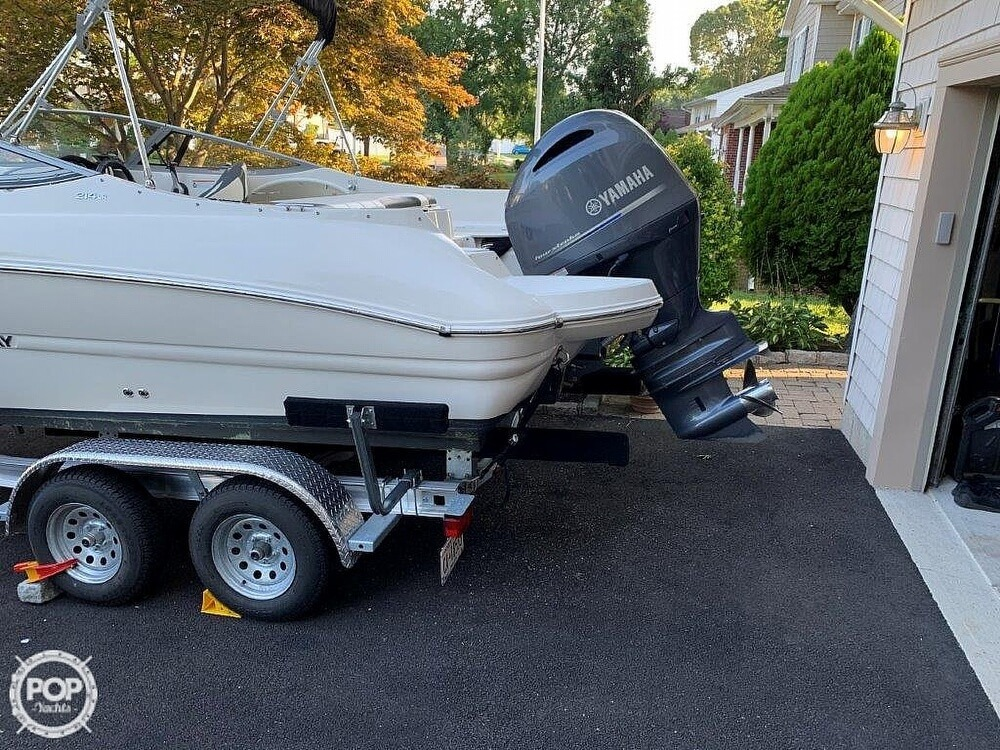 2018 Stingray boat for sale, model of the boat is 214LR & Image # 13 of 40
