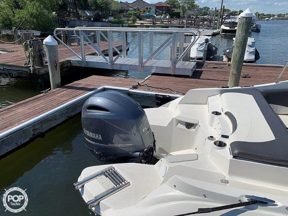 2018 Stingray boat for sale, model of the boat is 214LR & Image # 16 of 40