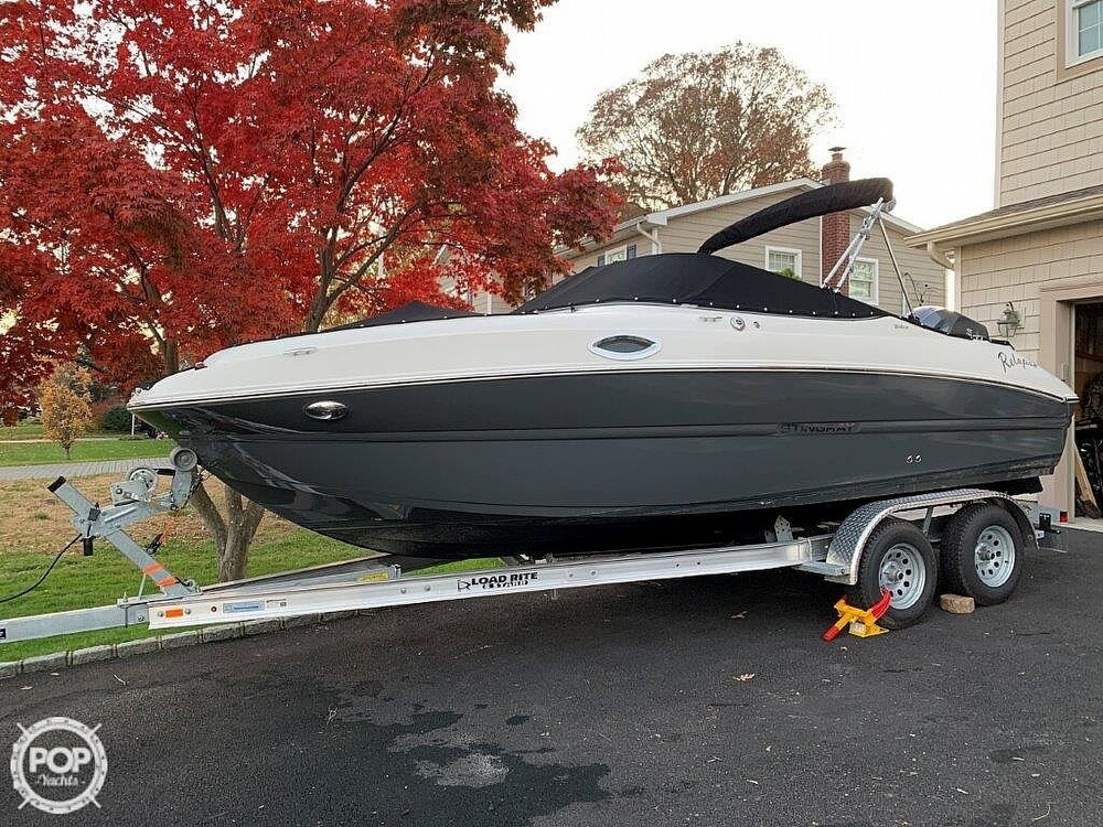 2018 Stingray boat for sale, model of the boat is 214LR & Image # 5 of 40