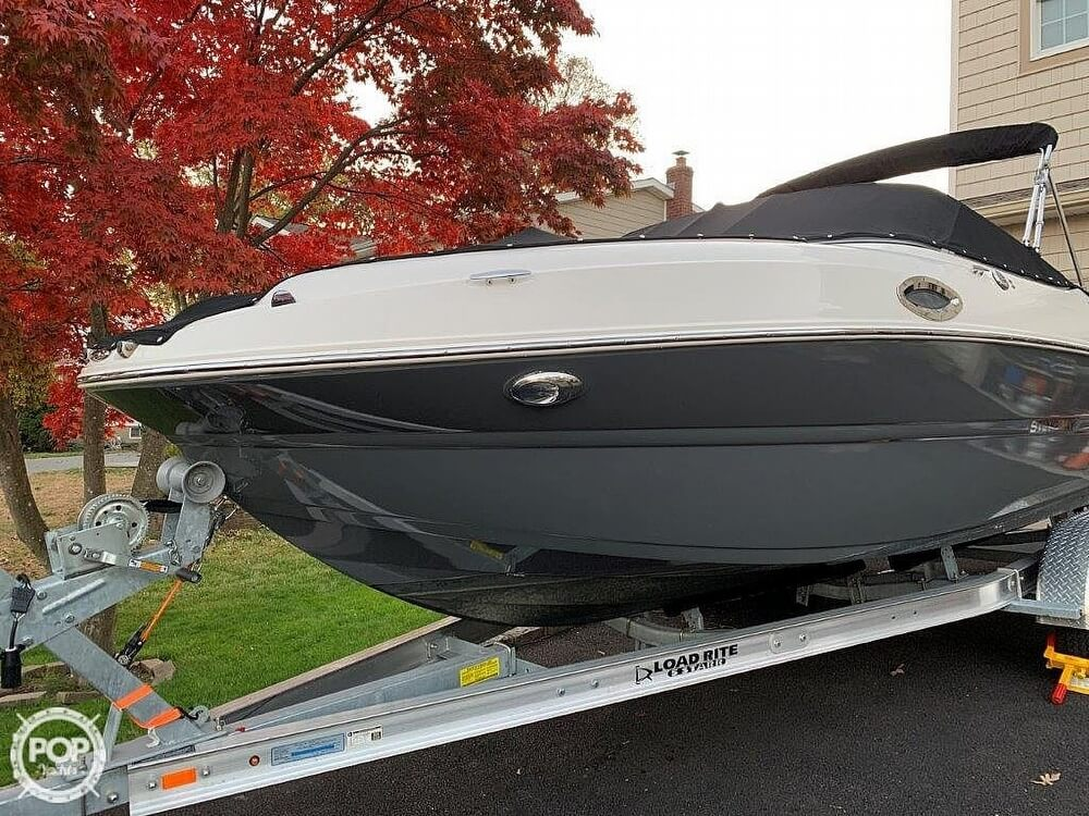 2018 Stingray boat for sale, model of the boat is 214LR & Image # 6 of 40