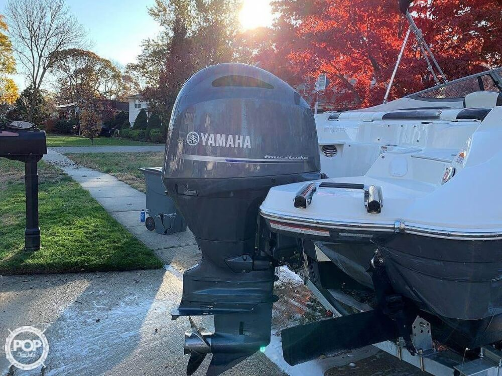 2018 Stingray boat for sale, model of the boat is 214LR & Image # 19 of 40