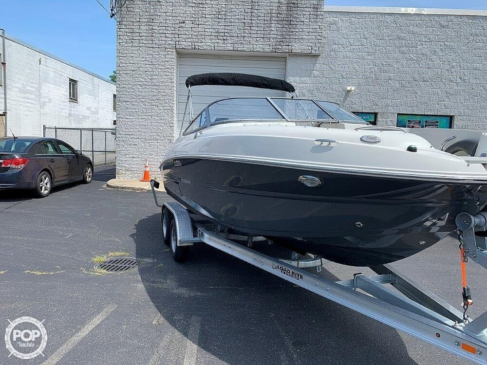 2018 Stingray boat for sale, model of the boat is 214LR & Image # 9 of 40